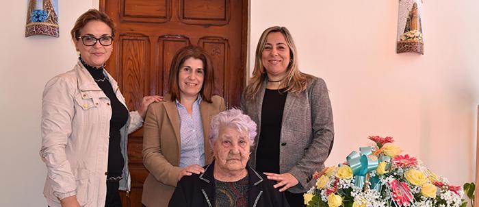 noticia-Homenaje-Vecina-mas-anciana-de-El-Rosario-8-03-2017-2