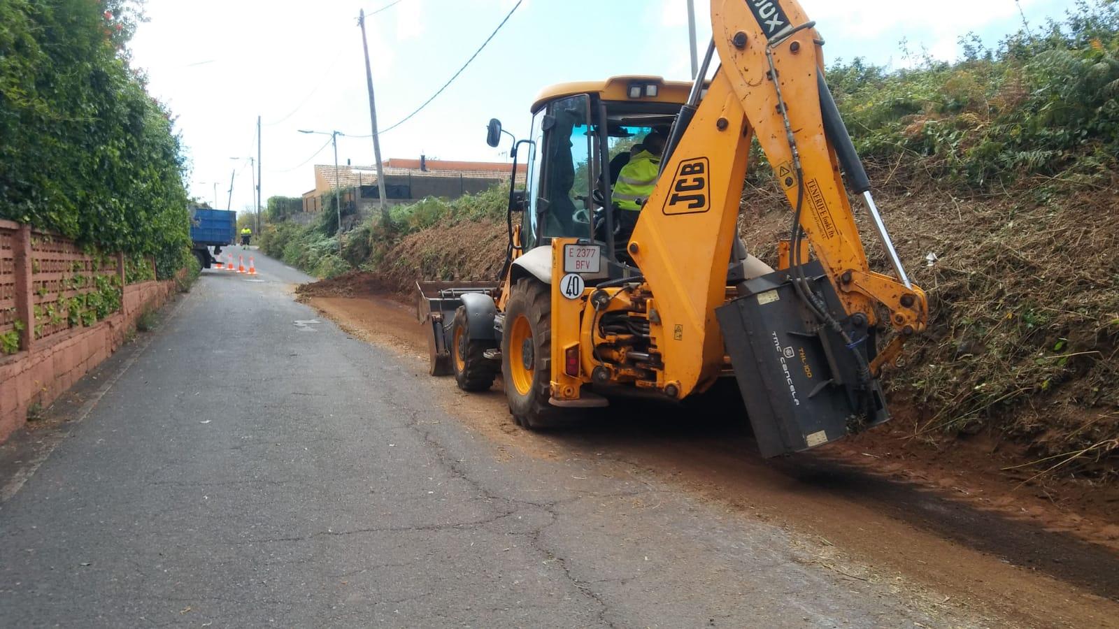 Finalizan trabajos ensanche Las Rosas - Desbroce La Cañada (4)
