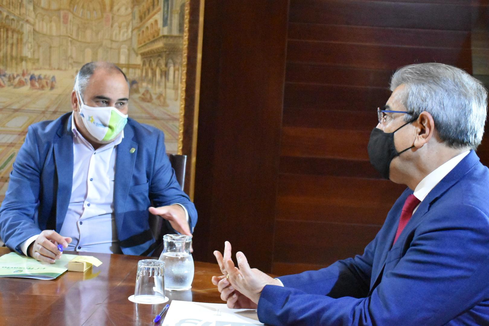 Reunión Alcalde El Rosario - Consejería Hacienda (1)