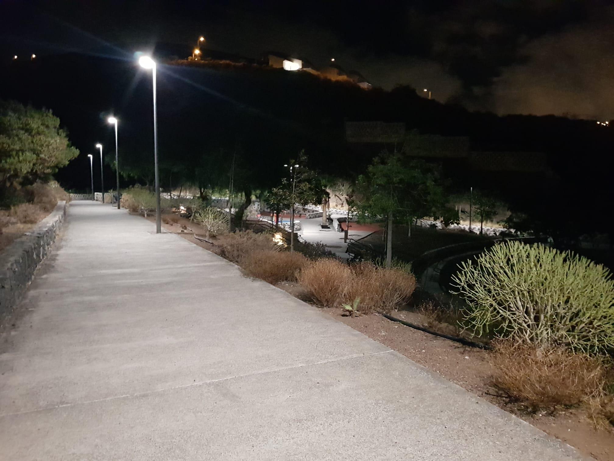 Nuevo alumbrado parque La Higuera (1)